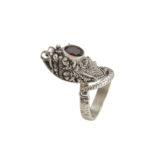 anillo de plata serpiente con granate shadisilver.jpg