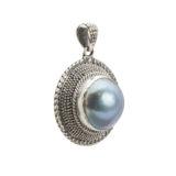 colgante plata de ley oxidada con perla mabe azul lateral shadisilver