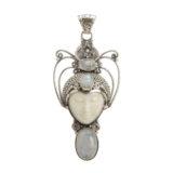 colgante-plata-de-ley-cara-tallada-a-mano-piedra-lunar-frontal-shadisilver