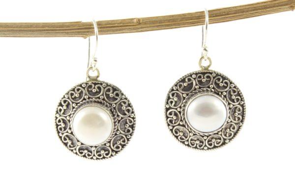 Pendientes de plata de ley étnicos con perla natural shadisilver