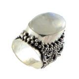 Anillo de plata de ley con piedra de Luna Shadisilver