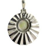 Colgante de plata oxidada con perla Shadisilver