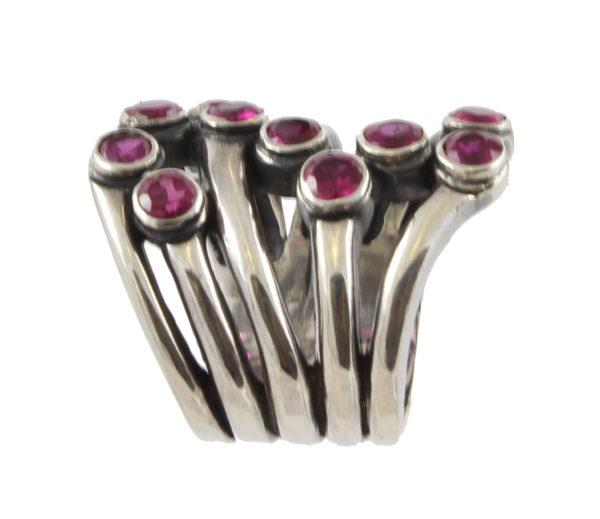 Anillo de plata con granates Shadisilver