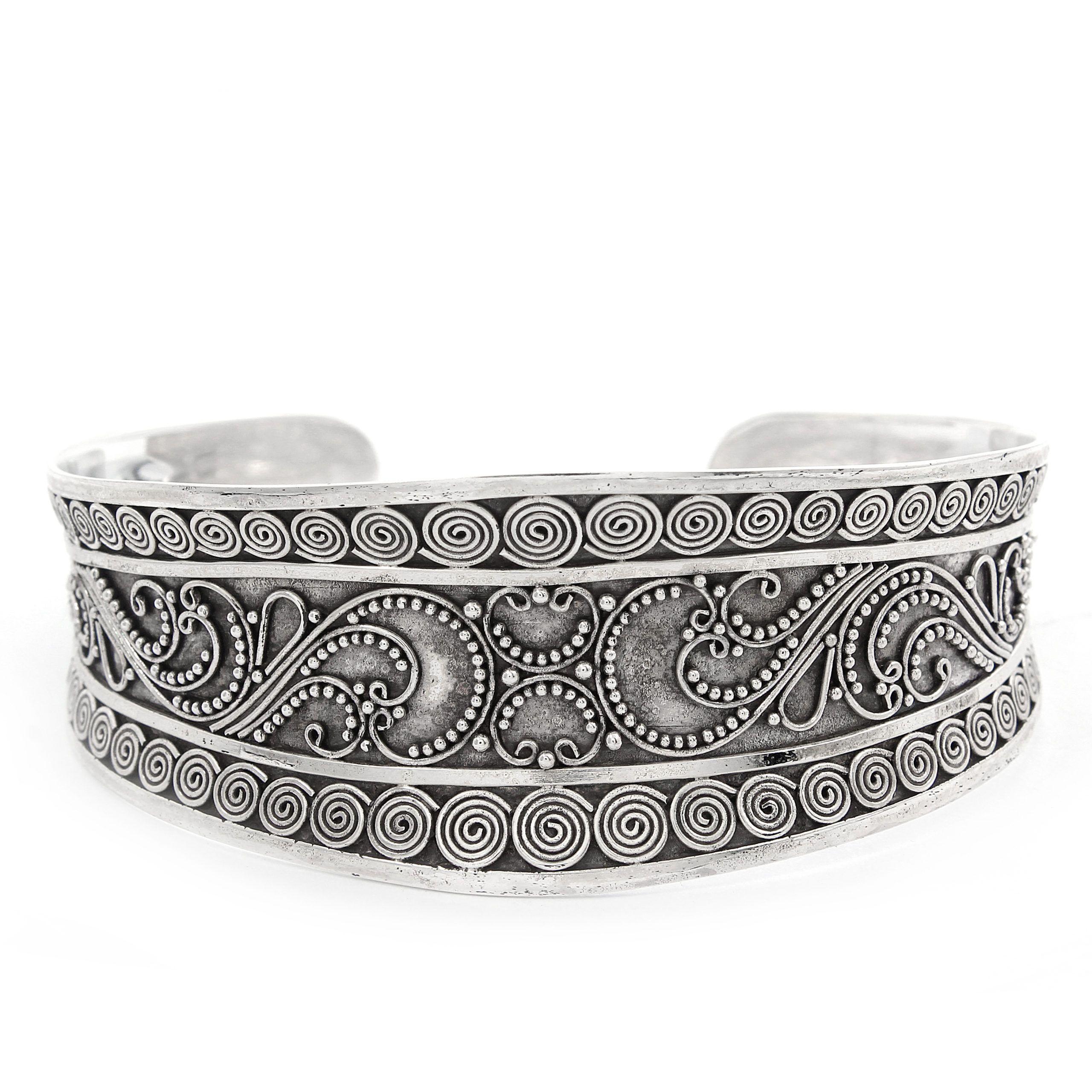 Brazalete de plata oxidada Shadi