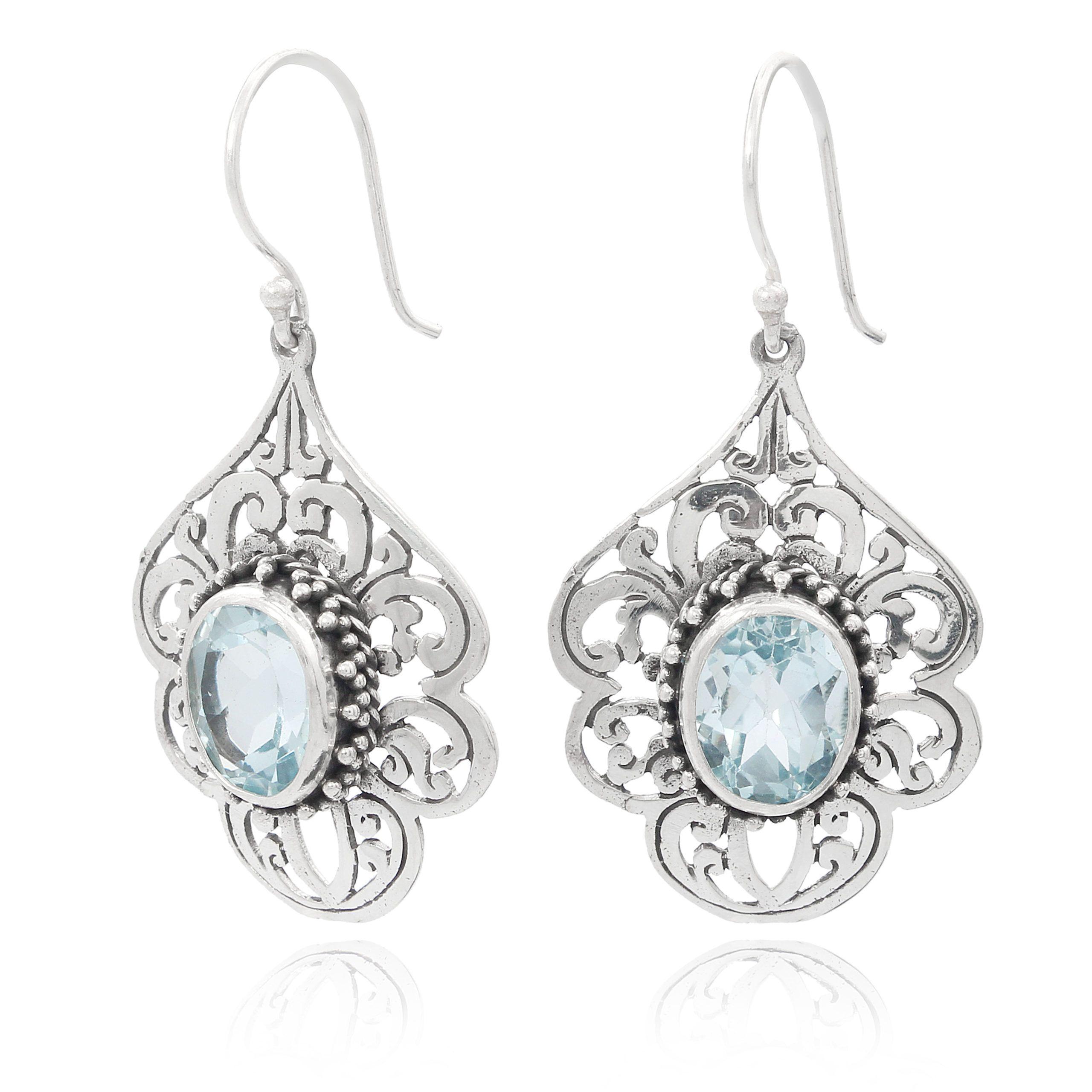 Pendientes artesanales de plata con topacio azul Shadi