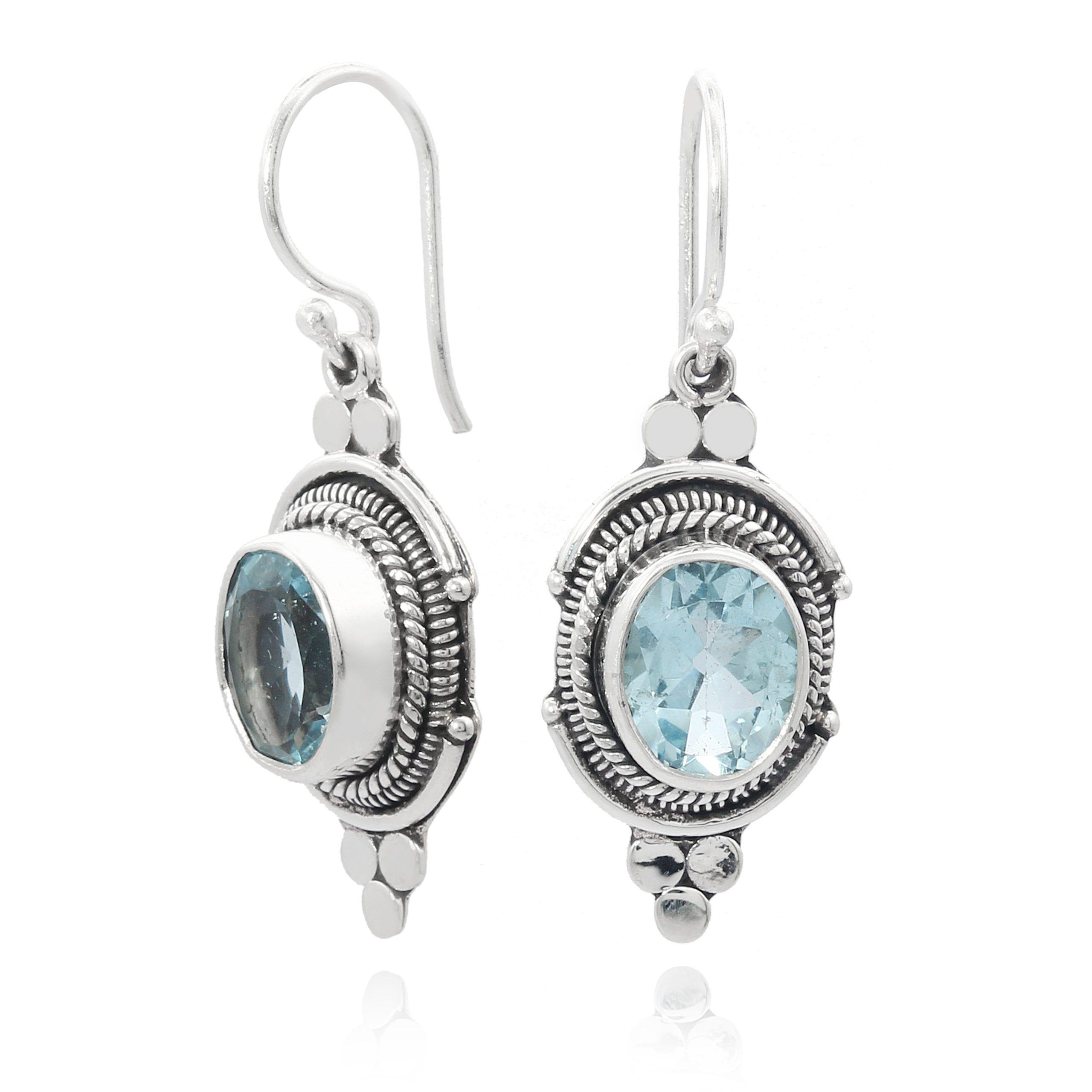 Pendientes artesanales de plata con topacio azul natural Shadi